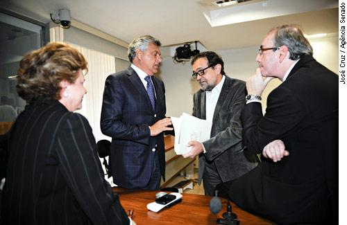 Oposição obstrui e derruba leitura de relatório sobre ICMS