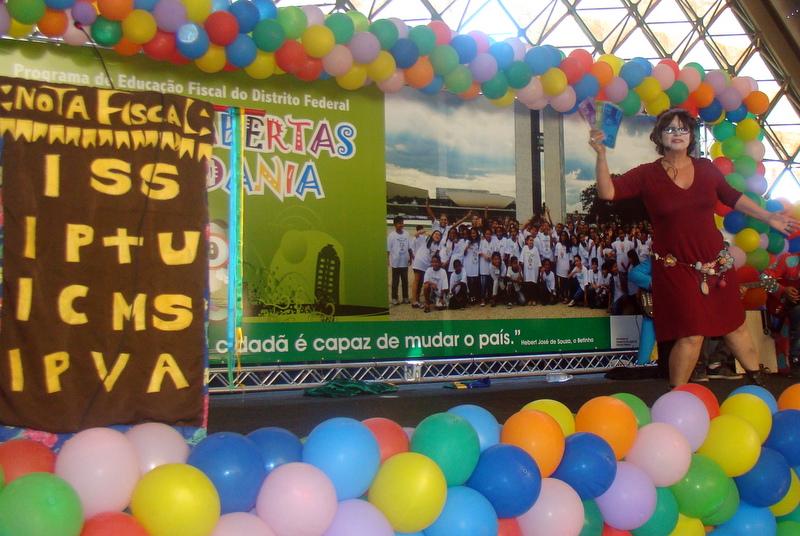 Caminhão Cidadania visita primeira escola