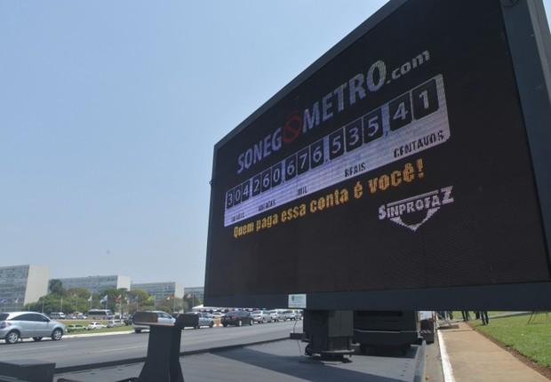 Sonegômetro mostra que calote aos cofres públicos passa de R$ 304 bilhões