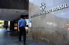 Banco Central põe fim à escala dos juros e Selic fica a 11%