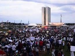 Estudo indica que 72% dos brasileiros estão insatisfeitos com o país