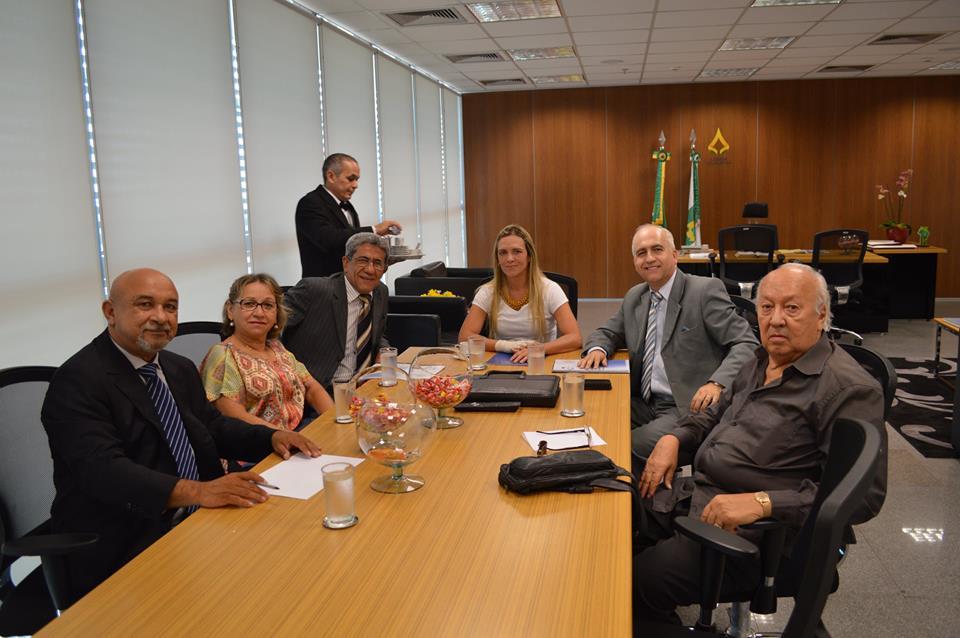 SINDIFISCO-DF se reúne com a presidente da CLDF Celina Leão (PDT)