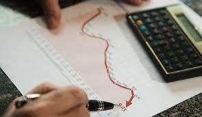 Economistas projetam inflação mais alta e maior queda do PIB