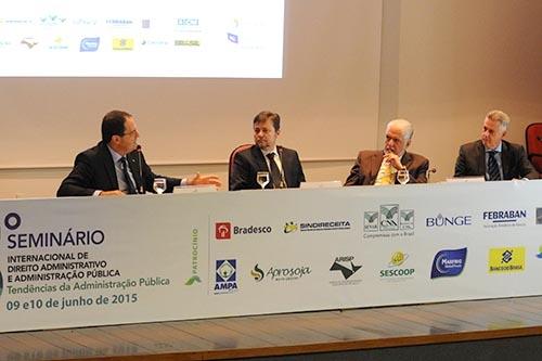 Governador defende transparência em seminário sobre administração pública