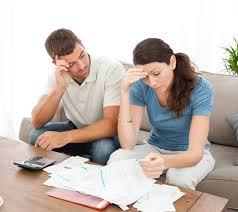 Em consequência da crise, mais famílias acham que não vão pagar dívidas