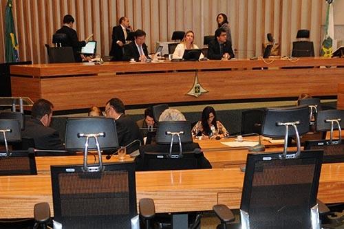 Medidas que aumentam arrecadação do DF são aprovadas pelo Legislativo local