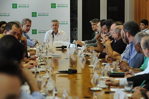 Governador dialoga com representantes de movimentos sindicais