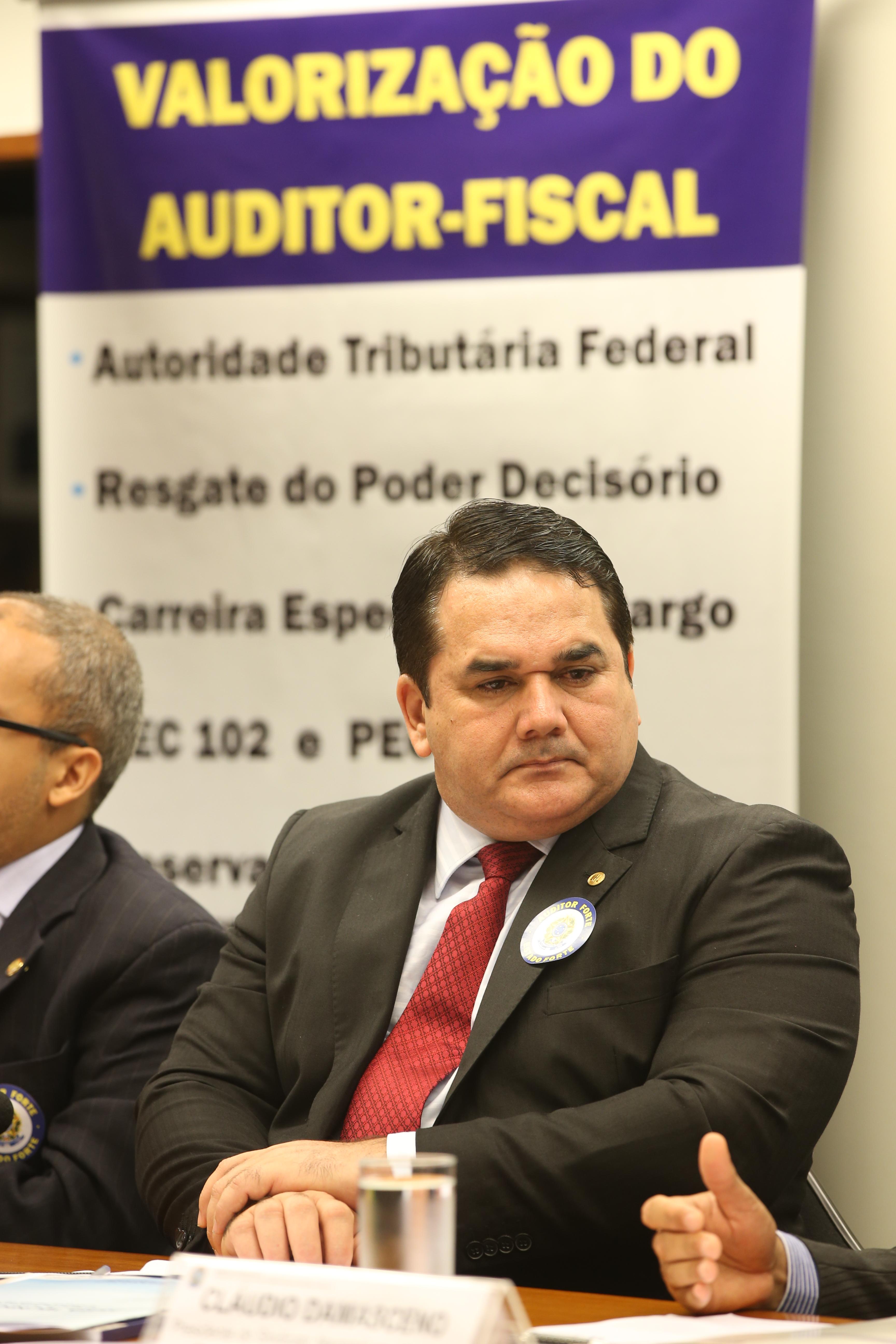 Auditores fiscais pedem aprovação de propostas que fortalecem a categoria
