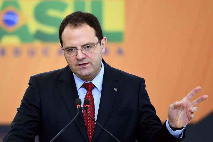 Técnicos do governo traçam para Barbosa um quadro de economia em colapso