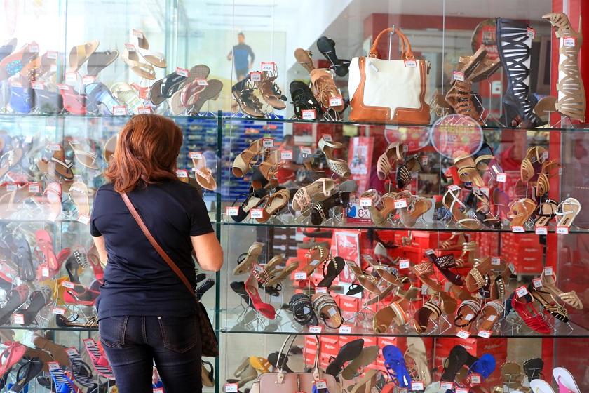 Abril registra menor queda nas vendas do comércio no DF