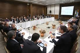 Encontro reúne especialistas para debater reformas previdenciária e tributária