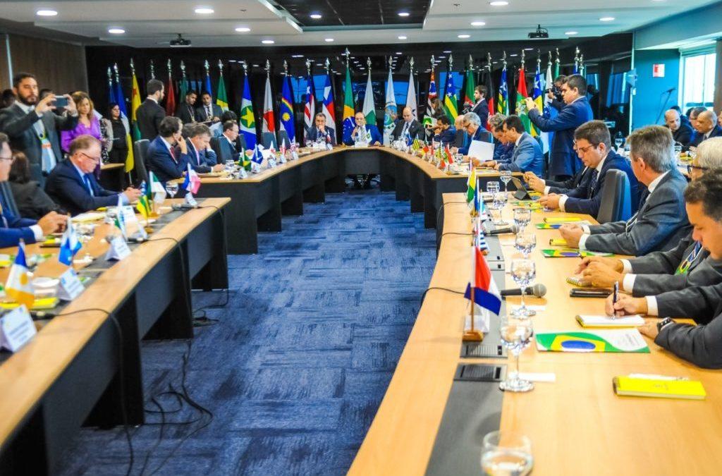 Paulo Guedes promete descentralizar recursos da União e fortalecer estados