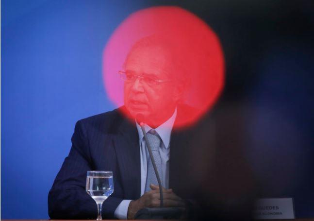 O funcionário público e o banqueiro, por Rodrigo Spada