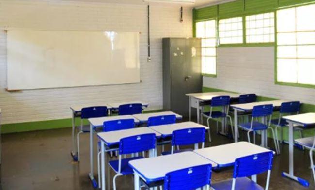 Desconto em escolas pode chegar a 50%, mas valor será devolvido
